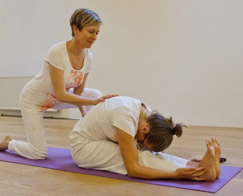 Private yoga classes in Brussels at Sampoorna Yoga Studio